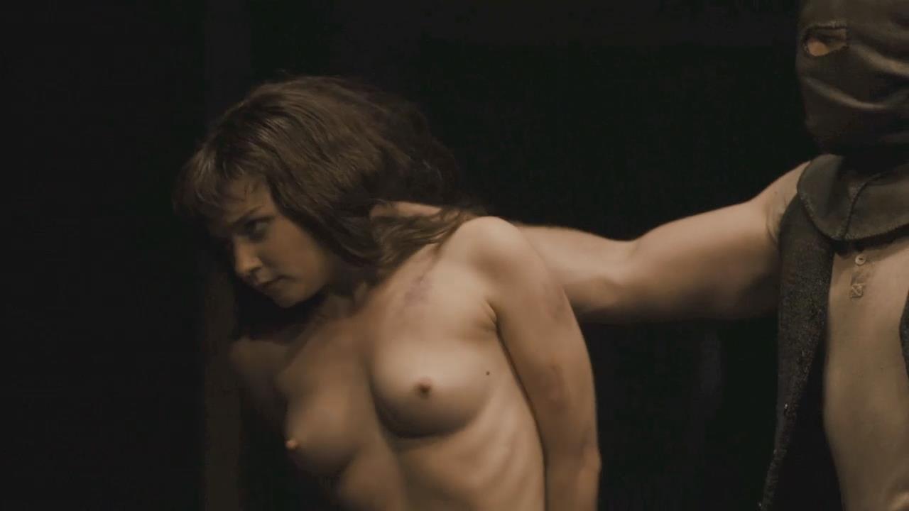Elinor Crawley  nackt