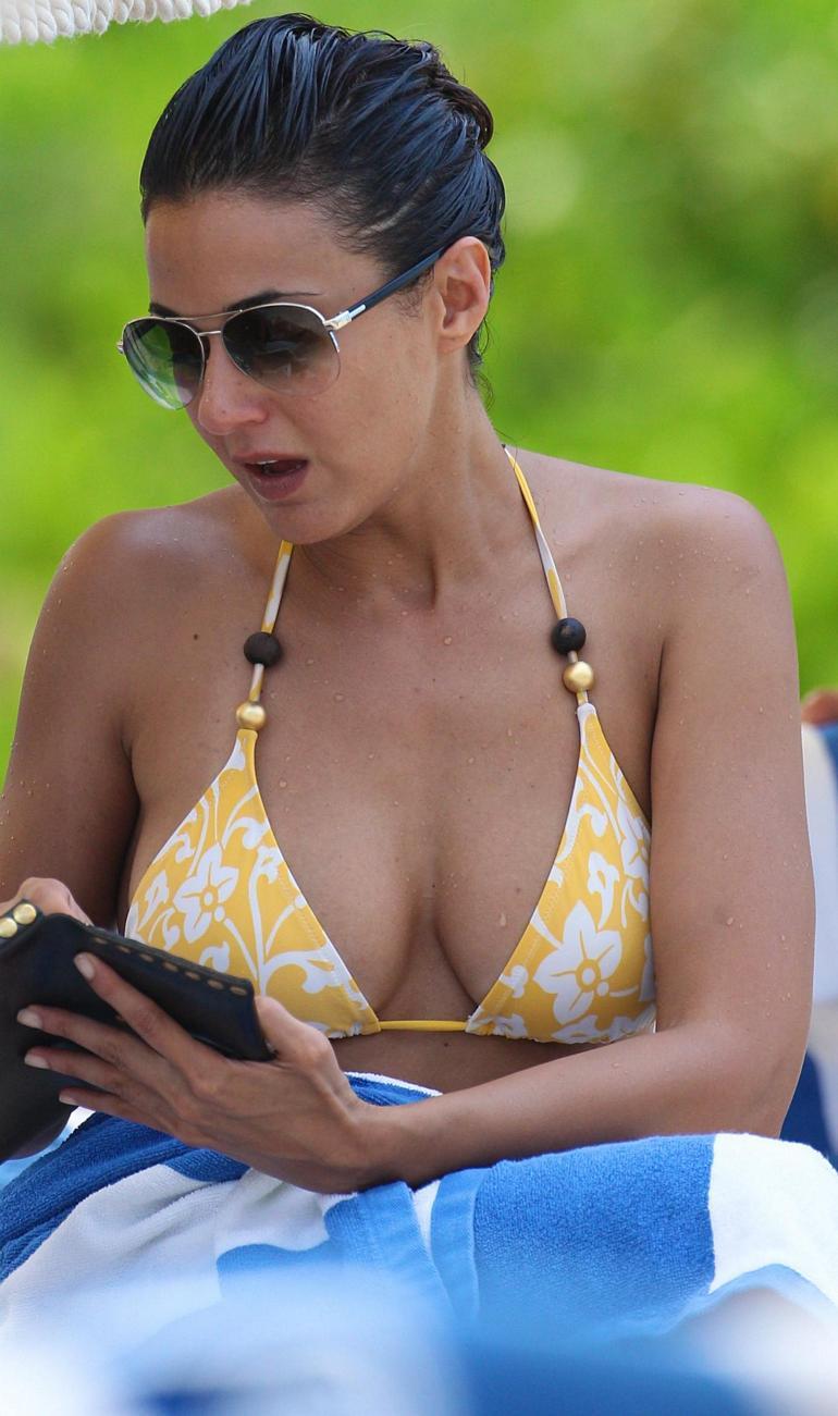 Amber Heard Nude Photos Hacked, Abundance of Racy Shots